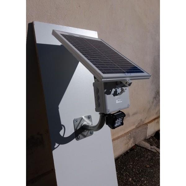projecteur solaire led 18w 12v puissant tanche et garanti 5 ans. Black Bedroom Furniture Sets. Home Design Ideas
