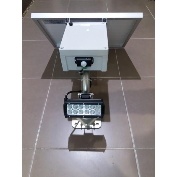 spot led puissant spot solaire puissant double 600 lumens. Black Bedroom Furniture Sets. Home Design Ideas